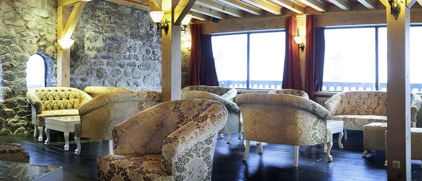 France_Les-deux-alpes_Hotel-ibiza_Lounge.jpg